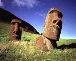 Moai_caps